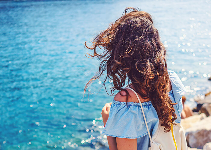 """Das erste Mal als alleinreisende Frau? Diese 8 Ziele werden dir """"sicher"""" gefallen"""