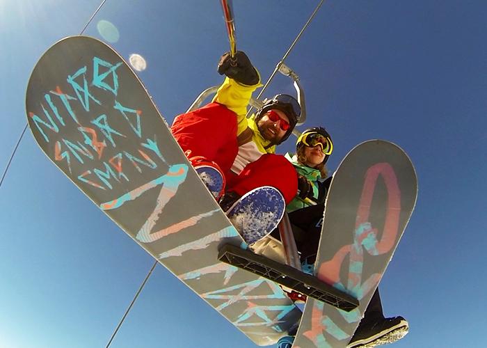Wie du es schaffst, über den Wolken Snowboard zu fahren