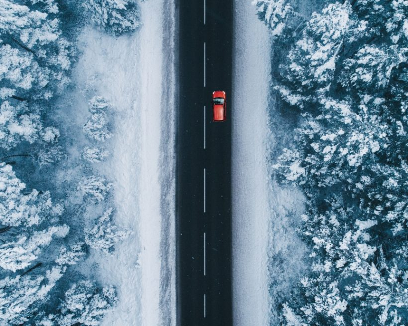 Mietwagen für Winter-Ski-Trips, raues Gelände, kaltes Klima