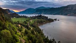 Hotels in Hood River