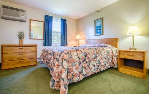 Misty Harbor Resort Motel - Wells - Schlafzimmer