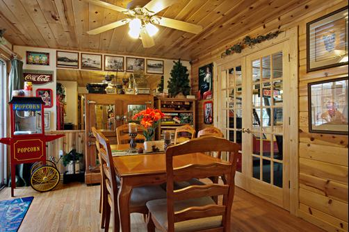 Fireside Lodge Bed and Breakfast - South Lake Tahoe - Wohnzimmer