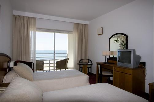 Ever Caparica Beach & Conference Hotel - Costa Caparica - Schlafzimmer