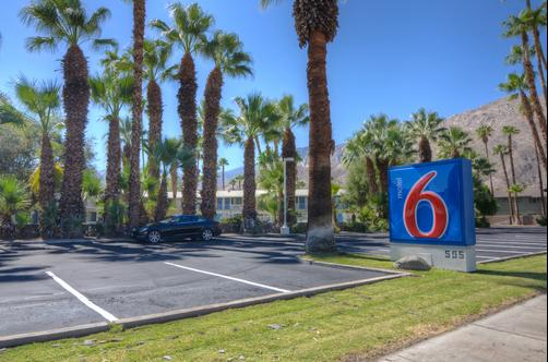 Motel 6 Palm Springs E East Palm Canyon - Palm Springs - Gebäude