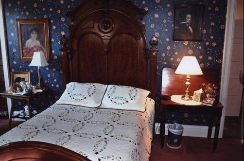 Greenhouse Bed & Breakfast - Chillicothe - Bett